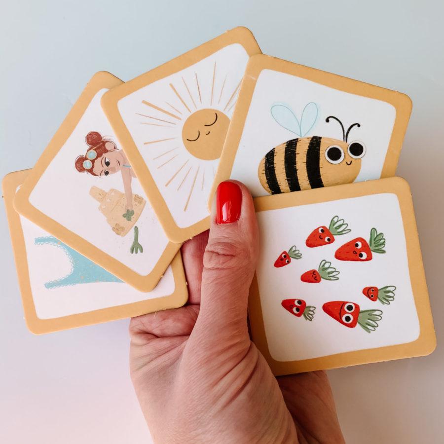 Gra Wspomagajki karta z pszczółką
